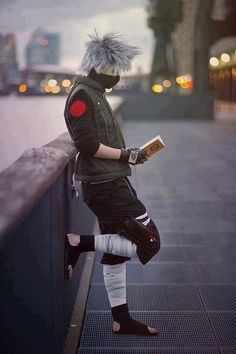 Kakashi Hatake reading his favorite novel: Make-out Paradise!