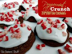 Peppermint Crunch Brownie Cookies #Christmas #Recipe #SixSistersStuff
