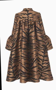 Get inspired and discover Carolina Herrera trunkshow! Shop the latest Carolina Herrera collection at Moda Operandi. African Maxi Dresses, Latest African Fashion Dresses, African Print Fashion, African Attire, Ankara Mode, Hijab Fashion, Fashion Outfits, Cheap Fashion, Fashion 2018