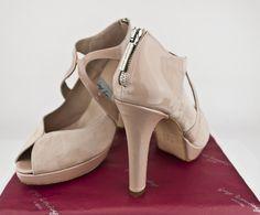#zapatos #moda #madeinspain #calzado #artesanal #madrid #SHOPPING #SHOES #FASHION #HEELS #HIGHHEELS #CUSTOMMADE #MADETOORDER #MADEINSPAIN #PEEPTOES #SANDALS #LEATHERSHOES #PLATFORMPUMPS #ESHOP jorgelarranaga.com