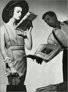 Dorothea McGowan in cool summer dress of gray linen piped in lilac with semi-detatched belt by Townley, Lederer handbag, photo by Horst, June 1961 1969 Fashion, Vintage Fashion, Vintage Style, Vintage Photography, Fashion Photography, Horst P Horst, Ear Hair Trimmer, Floating Head, 1960s Outfits