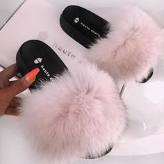 Stepping into Monday like 😌 👉🏻 🎀 . Fluffy Sandals, Fluffy Slides, Cute Flip Flops, Glass Shoes, Summer Slide, Summer Slippers, Bad And Boujee, Dream Shoes, Fur Slides
