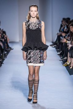 Fashion Week : doudounes chic et luxueuses armures - Actualité : Défilés (#666116)