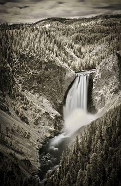 Gorgeous Infrared Photographs Of Famous Landmarks - DesignTAXI.com
