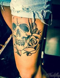 Skull and Rose tattoo // #frontthigh #leg #nocolor