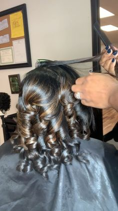 ✔ Hairstyles For School Videos 2 Plates Pressed Natural Hair, Dyed Natural Hair, Natural Hair Styles, Short Hair Styles, Natural Hair Silk Press, Silk Press Hair, Curling Hair With Flat Iron, Flat Iron Curls, How To Curl Hair With Flat Iron
