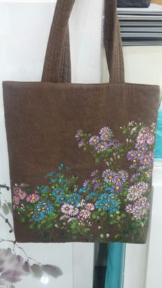 T Shirt Painting, Fabric Painting, Fabric Art, Ribbon Embroidery, Embroidery Patterns, Hand Painted Sarees, Fabric Paint Designs, Painted Bags, Floral Artwork