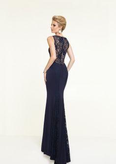 Pitsi selät toimivat iltapuvuissa, gaalapuvuissa ja juhlapuvuissa Prom Dresses, Formal Dresses, Fashion, Formal Gowns, Moda, Fashion Styles, Formal Dress, Gowns, Fashion Illustrations