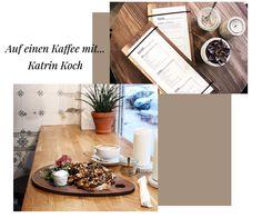 Speisekarte des Cafe kropka in Hamburg und eine Pilzstulle mit Kaffee