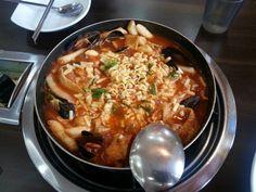 Seafood tteok-bo-kki. Spicy * - *