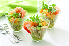 Avocado Shrimp Salad is a flexible recipe that may be served as either an appetizer, main course or a salad. The subtle flavors are enhanced by lemon, herbs and spices. Top Salad Recipe, Great Salad Recipes, Salad Recipes For Parties, Healthy Salad Recipes, Summer Recipes, Meal Recipes, Shrimp Recipes, Seafood Appetizers, Appetizer Salads