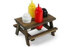The Picnic Table Condiment Set Brings the Outdoors Inside