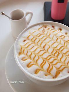 Coffee Art Coffee Latte Art, My Coffee Shop, Coffee Love, Coffee Break, Coffee World, Coffee Is Life, Coffee Artwork, Coffee Images, Creative Coffee