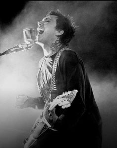 This guy is one of my favorite guitarists Frank Iero!!!!!!