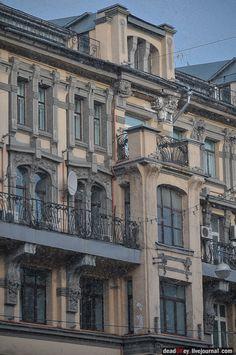 Доходный дом товарищества А. Бахрушина Сыновья, 1900-1901, архитектор К.К. Гиппиус, Тверская ул.12