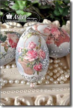 Easter Egg Crafts, Easter Eggs, Decoupage, Egg Shell Art, Carved Eggs, Arte Country, Easter Egg Designs, Egg Art, Shell Crafts