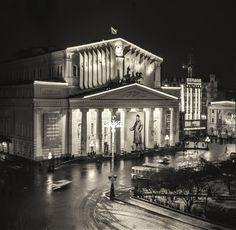 Декорация фасада Большого театра к 50-летию провозглашения образования СССР   1970