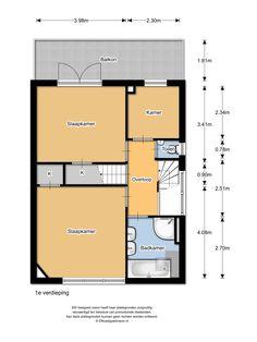 Floor plan first floor, Plantsoenlaan 17, Bloemendaal. Overloop, ouderslaapkamer aan de voorzijde voorzien van een laminaat vloer, 2e slaapkamer met toegang tot het riante balkon en een studeer/werkkamer voorzien van een inbouwkast, 2e toilet met fontein, royale badkamer met ligbad, stoom-douchecabine, dubbele wastafel en design radiator.
