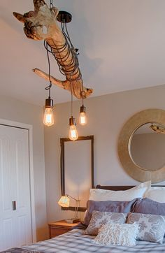 wood floats decorati Deco wood floats decorati Get more photo about subject related with by looking at photos galle. Driftwood Chandelier, Deco Luminaire, Rustic Room, Roof Design, Elegant Homes, Living Room Designs, Diy Home Decor, Furniture Design, Lights