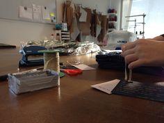 Preparando etiquetas #handmade para todos vuestros pedidos! #orelsebarcelona #xmaspresents #crhsitmas #details