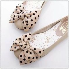 Details about BN Satin Polka Dots Bowed Ladies Wedding Ballet Flats Shoes Beige… Cute Flats, Bow Flats, Cute Shoes, Me Too Shoes, Bow Shoes, Dream Shoes, Crazy Shoes, Pretty Shoes, Beautiful Shoes