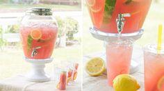 Drinkar i glasbehållare med tappkran