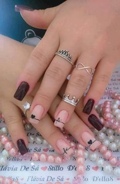It Nail Liquids Produce the results you need for stunning acrylic nail art design by choosing the right liquid. Acrylic nail art takes lots of time to Elegant Nail Designs, Best Nail Art Designs, Elegant Nails, Pretty Nail Art, Cute Nail Art, Jolie Nail Art, Gomme Laque, Glitter Girl, Super Nails