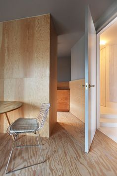 Apartments 008 and 009 by Teatum and Teutum