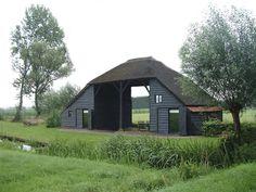 In 't Kiepenost in Sint-Jansklooster in Overijssel slaap je in de bedstede of op de slaapzolder.
