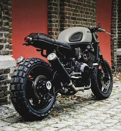 Cafe Racers and Life ☄️さんはInstagramを利用しています:「Triumph 'MotoKanon' via @motokouture Rate 1 to 10! Follow @epidemic_motors #epidemic_motors#epidemicmotors #triumph #mk2 #moto」