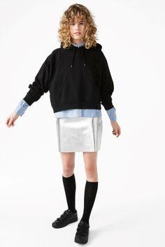 Cropped hoodie - Black - Monki
