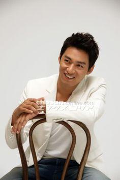 A frozen flower #Drama #PeriodFilm #gayfilm Starring, Joo Jin-Mo ...