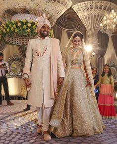 Best Indian Bridal Wedding Dresses images for women's Indian Reception Outfit, Indian Wedding Outfits, Bridal Outfits, Bridal Wedding Dresses, Indian Outfits, Wedding Reception Attire, Wedding Ceremony, Indian Wedding Receptions, Backless Wedding