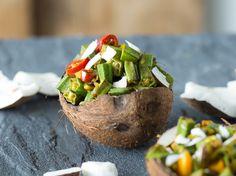 Mhhhmm spicy ... mit Curry und scharfer Chili angebraten, sind die grünen, länglichen Okraschoten einfach unwiderstehlich.