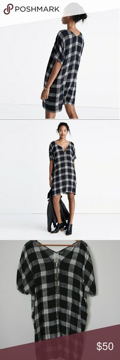 Madewell Zip Tunic Super cute black and white plaid tunic from Madewell. Zip-Up V-neck. Only worn a handful of times, still in excellent condition! Size XL, but best fits size L for an oversized look. 100% viscose, dryclean recommended. Madewell Dresses
