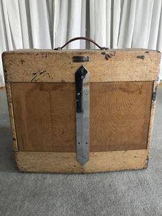 Fender Guitars – Page 4 – Learning Guitar Fender Vintage, Vintage Guitars, Fender Deluxe, Guitar Shop, Guitar Parts, Pedalboard, Fender Guitars, Cool Tones, Acoustic