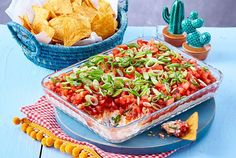 Nacho Dip That's how Nacho goes for nacho in the snack heaven. Nacho Dip That Best Party Appetizers, Snacks Für Party, Appetizer Dips, Appetizer Recipes, Snack Recipes, Sandwich Recipes, Authentic Mexican Recipes, Mexican Food Recipes, Cheap Clean Eating