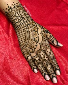 Mehndi design makes hand beautiful and fabulous. Here, you will see awesome and Simple Mehndi Designs For Hands. Wedding Henna Designs, Latest Bridal Mehndi Designs, Henna Art Designs, Mehndi Designs For Girls, Mehndi Designs 2018, Mehndi Designs For Beginners, Modern Mehndi Designs, Mehndi Designs For Fingers, Mehndi Design Pictures