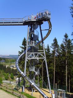 Rutsche Panorama Erlebnis Brücke am Erlebnisberg Kappe in Winterberg Hochformat
