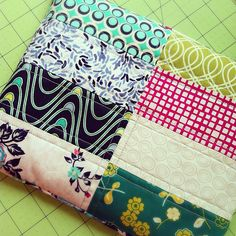 Quilted Heating Pad by PS I Quilt~ Art Gallery Fabrics~ The Fat Quarter Gang Sewing Hacks, Sewing Crafts, Sewing Tips, Sewing Tutorials, Sewing Ideas, Diy Heating Pad, Heating Pads, Quilting Projects, Sewing Projects