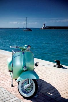 Vespa is a handy scooter for anyone who wants an alternative means of getting around. This will be my ride and my view while riding! Vespa Piaggio, Scooters Vespa, Motos Vespa, Vespa Ape, Lambretta Scooter, Motor Scooters, Fiat 500, Honda Shadow, Lml Star