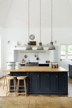 37 Comfy Kitchen Islands With Breakfast Nooks | ComfyDwelling.com #comfy #kitchen #islands #breakfast #nooks