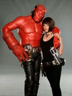 A gallery of Hellboy II: The Golden Army publicity stills and other photos. Featuring Ron Perlman, Doug Jones, Selma Blair, James Dodd and others. Hellboy Liz, Hellboy Movie, Hellboy Characters, Hellboy Comics, Fictional Characters, Hellboy Costume, Cinema Art, Liz Sherman, Book Art