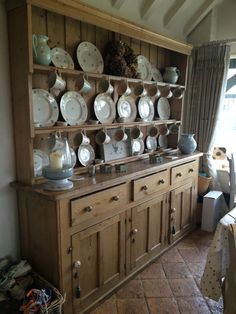 Large French Pine Dresser French House, Kitchen Dresser, Kitchen Design, Farm House Living Room, Pine Furniture, Kitchen Renovation, Country Kitchen, Furniture, Kitchen Redo