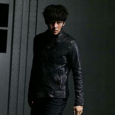 Fabricated City, Kdrama Actors, Ji Chang Wook, Korean Model, Korean Actors, Movies To Watch, Ulzzang, Sexy Men, Leather Jacket