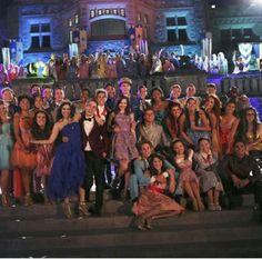 Disney Descendants cast what a talented bunch! Descendants Pictures, Disney Descendants Movie, Descendants Characters, Disney Channel Movies, Disney Channel Descendants, Descendants Cast, Disney Channel Stars, Disney Movies, Descendants Videos