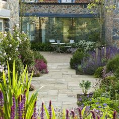 Small Courtyard Gardens, Back Gardens, Small Gardens, Outdoor Gardens, Back Garden Design, Cottage Garden Design, Small Garden Landscape, Landscape Design, Small Garden Landscaping Ideas Uk