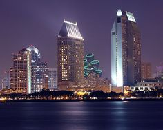 San Diego_night_skyline