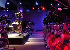 light possibility Spinning, Body Revolution, Gym Lighting, Gym Club, Gym Room, Indoor Cycling, Studio Interior, Gym Design, Cabinet Design