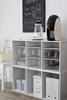 Home organization tips, organized home, organized shelves, organized pantry Kitchen Organization, Kitchen Storage, Storage Spaces, Locker Storage, Organizing, My New Room, My Room, Diy Interior, Interior Decorating
